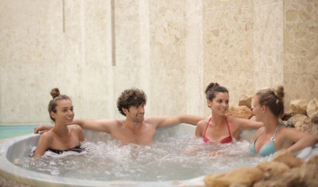 Les modèles du spa gonflable pour 6 personnes