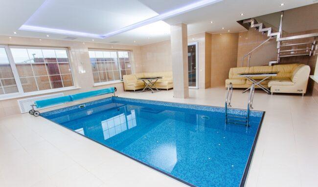 Installation et l'entretien d'un volet automatique de piscine