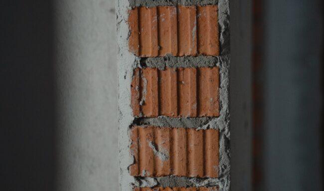 Comment choisir l'épaisseur d'une dalle en béton de terrasse ?