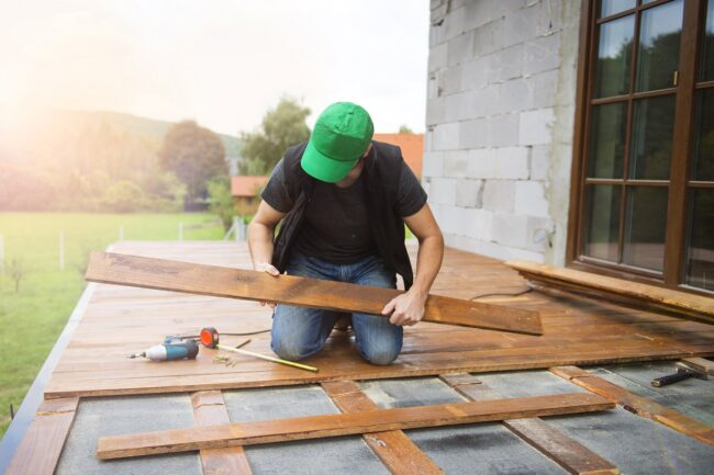 Sur quel site commander une terrasse en bois en kit ?